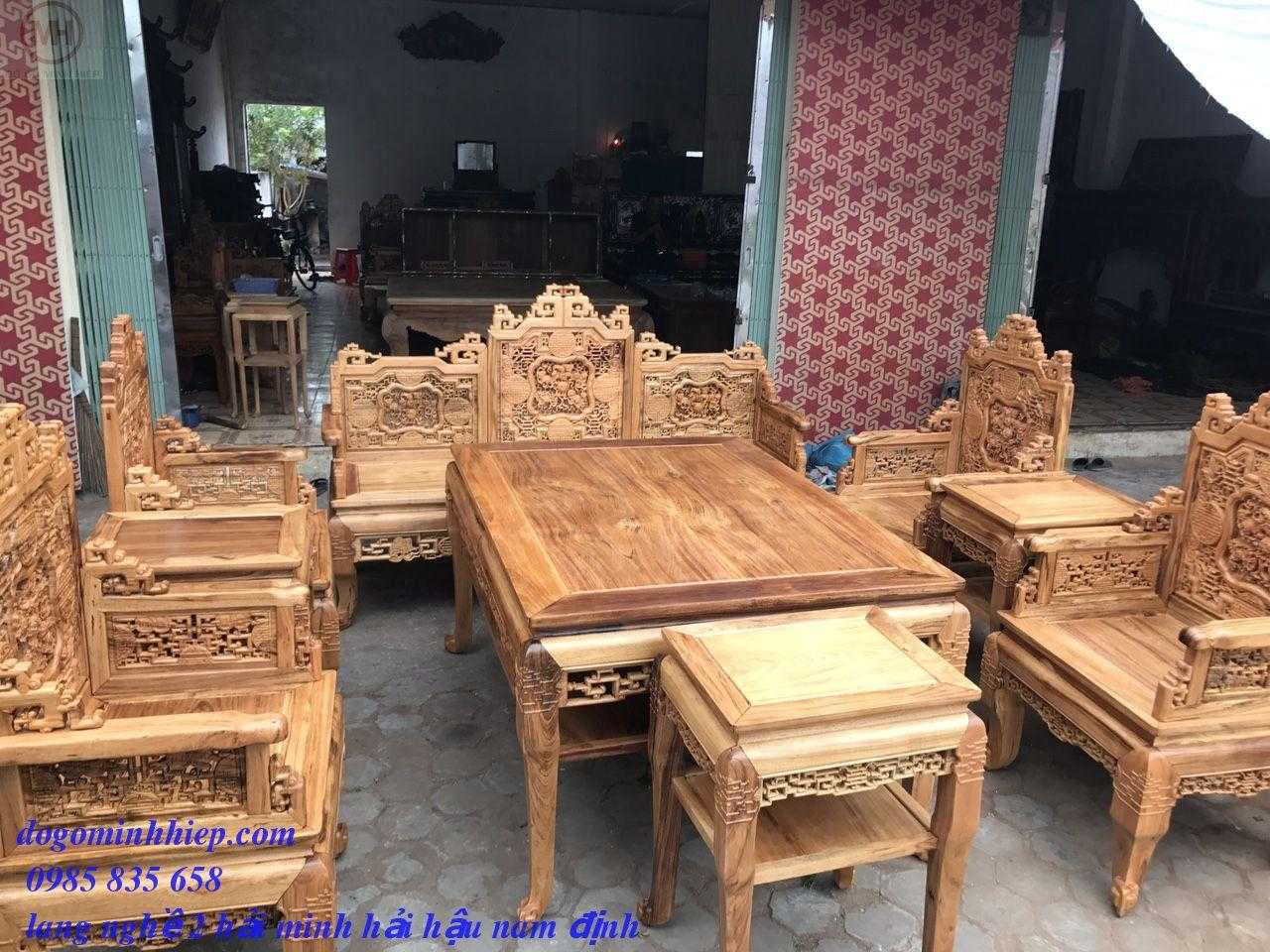 Trường kỷ ngũ lân vờn cầu gụ Quảng Bình
