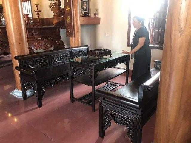 Mẫu trường kỷ đẹp cho nhà gỗ truyền thống