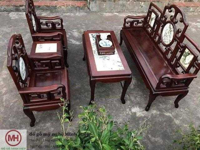 Bộ bàn ghế gỗ cổ xưa